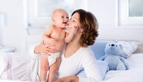 8 bí quyết chăm sóc bé sơ sinh của bác sĩ nhi Hoa Kỳ